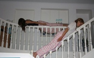 Bizarre-And-Funny-Planking-Craze-17