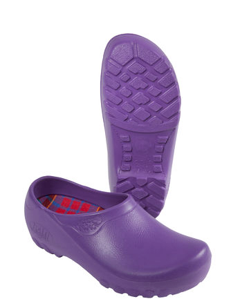 Garden Shoes Women s Classic Garden Clogs | Gardener s Supply