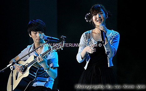 MENS FASHION WEEK SINGAPORE 2012 K-POP DESIGNERS Songzio Fall Winter Sungha Jung You-tube singer Megan Lee MARINA BAY SANDS