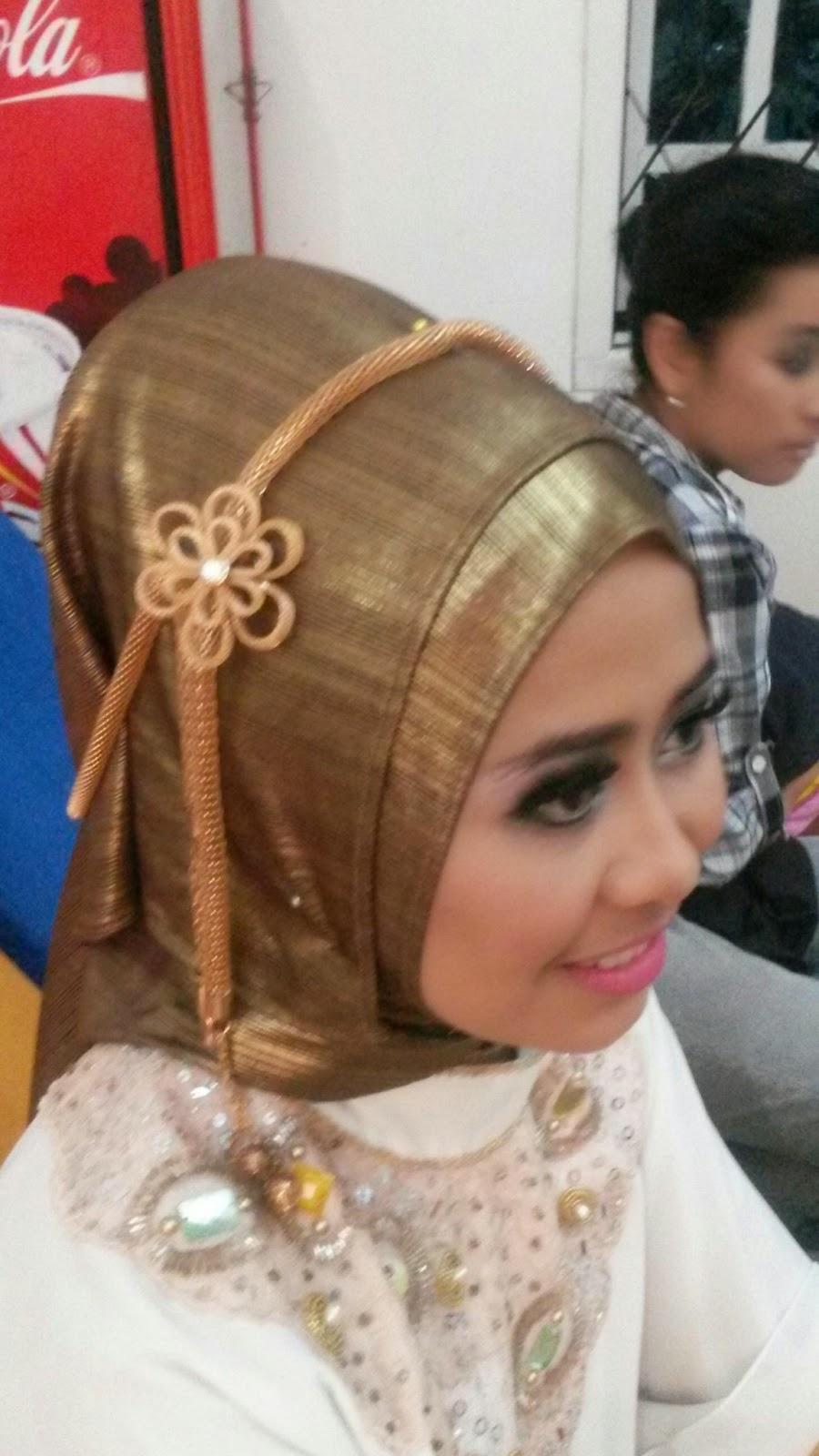 Naveela Beauty Muslimah: CANTIKNYA BERHIJAB