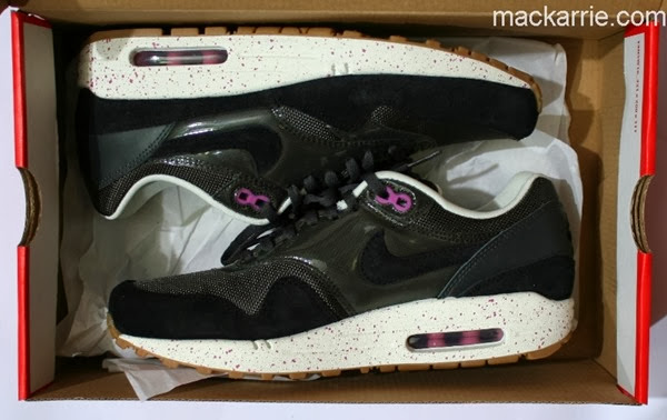 c_NikeAirMaxBlackGreyPink