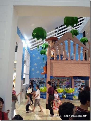 時代廣場-玩具總動員場景1