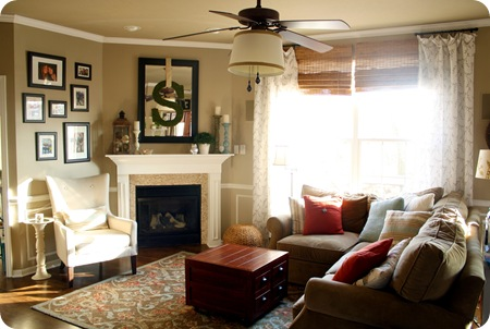 Thrifty Decor Chick: Family in the family room