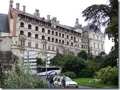 2004.08.28-028 façade des loges du château