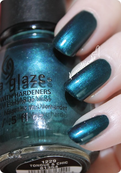 China Glaze - tongue & chic