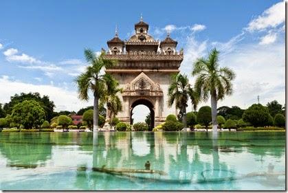 patuxai-in-vientiane-laos-1600x1066