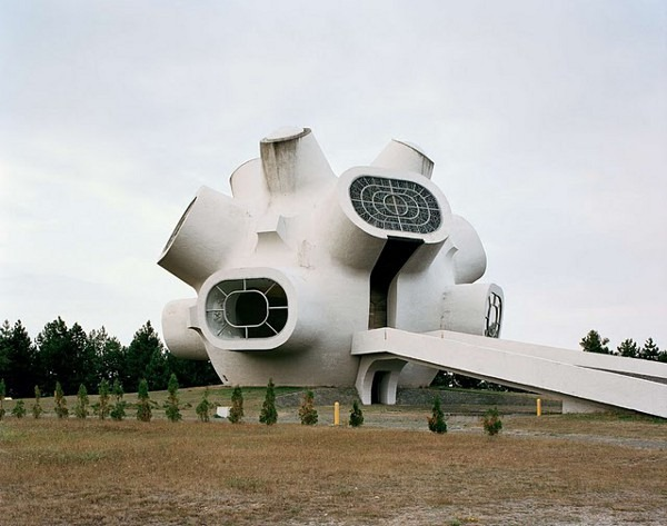 abandoned yugoslavian monuments by jan kempenaers 9