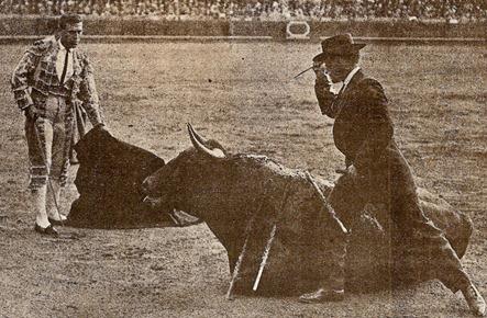1912-04-18 (p.25 SyS) Sevilla Bienvenida 2º toro 001