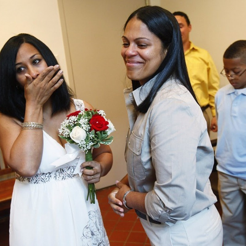 First Gay Marriages in New York Begins