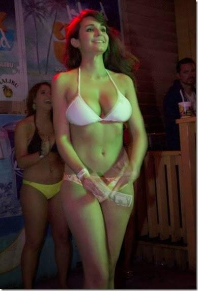 summer-bikinis-babes-004