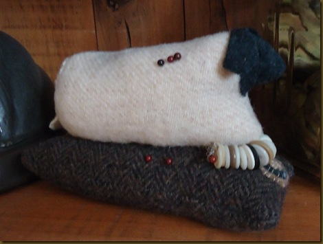 Sheep pin cushion