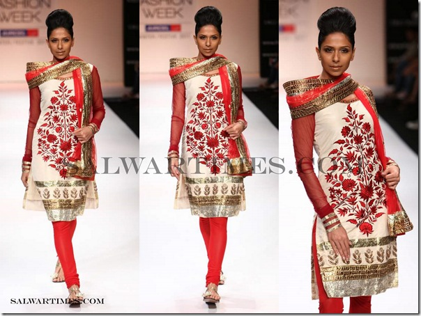 Payal_Kapoor_Lakme_Fashion_Week_2011