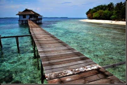 list of beautiful beach in indonesia