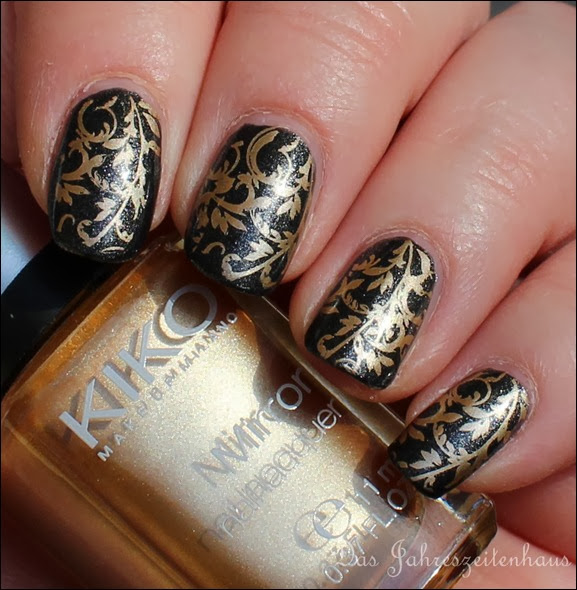 Baroque Gold Ornament Nageldesign 4