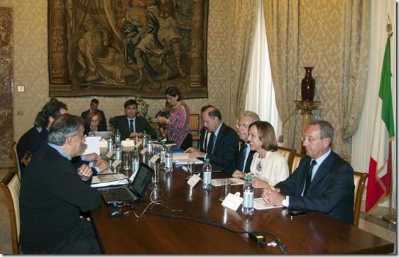 """Monti e la Fiat: """"Niente soldi, non ce li hanno chiesti e non li daremmo"""""""