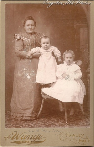 Cabinet Card Aunt something Lee ML Antiques Erhard