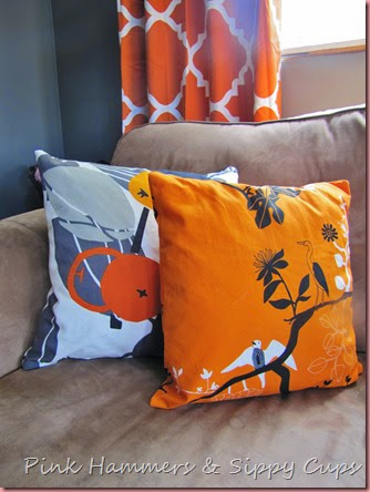 DIY Zipper Pillows @ Pink Hammers & Sippy Cups