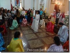 Coroação de Nossa Senhora de Fátima feita pela Catequese