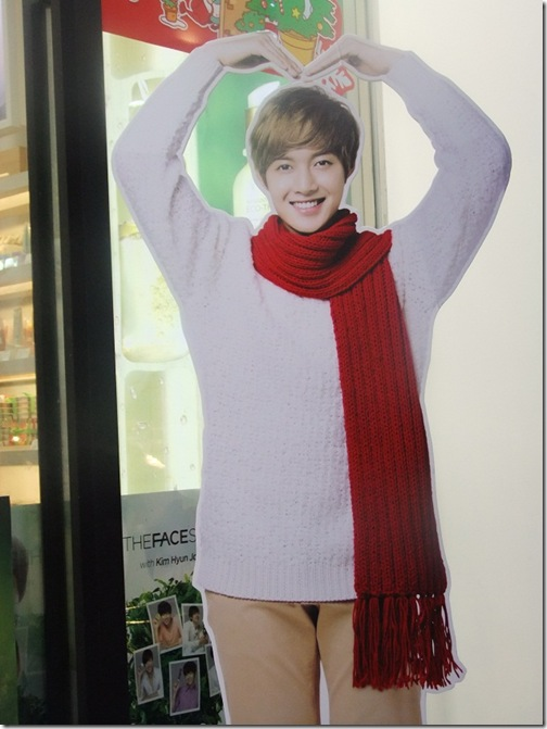standee1