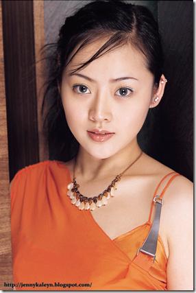 wanita Asia Popular yang sebenarnya Lahir sebagai Lelaki-jennyezra