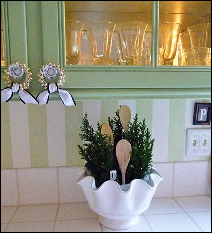 kitchen Christmas trees in a bowl 016 (600x800)