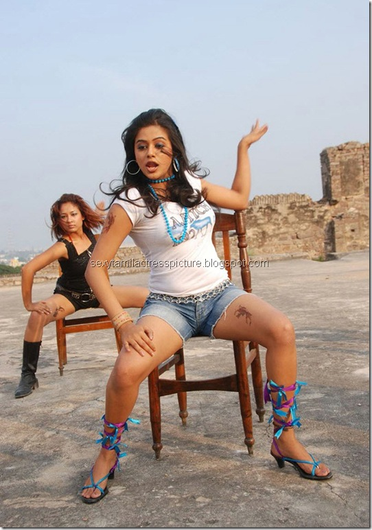 priyamani_too_hot_stills_07