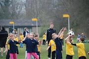 Schoolkorfbaltoernooi ochtend 17-4-2013 173.JPG