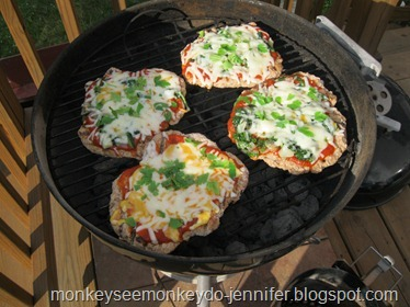 spinach pizza on grill (2)