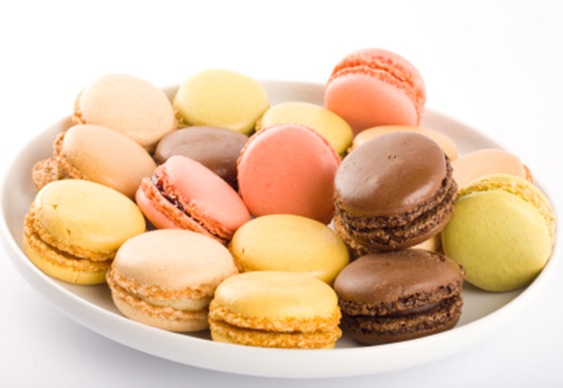 Plate with macaroons