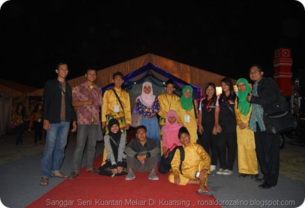 Nonton Bareng Setia Band Bersama Alumni SMAN Pintar di Penutupan FLS2N Tingkat Nasional  di Medan 21 Juni 2013 (6)[8]