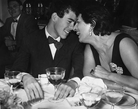 Anna Magnani alla festa di compleanno di suo figlio Luca, 23 ottobre 1956 (AP Photo)
