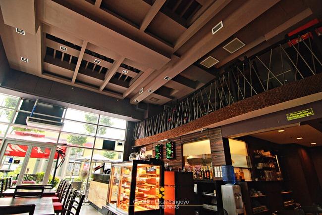 Mozu Cafe Bar BGC
