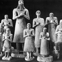 15.- Escultruas votivas sumerias