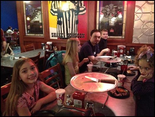 Dinner at Shakeys with mom and dad (1) (Medium)