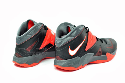 lebrons soldier7 black red 17 web The Showcase: NIKE SOLDIER 7 Miami Heat Away Edition