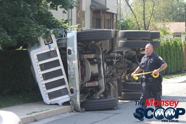 Overturned Truck On Paiken Drive In Spring Valley (Moshe Lichtenstein) - IMG_4467.JPG