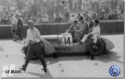 1949 24 HEURES DU MANS #14 Delage (W.S. Watney) Francesco Godia Fales (E) - Louis Gerard (F)   res04