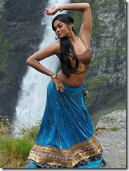 karthika_dancing_photo