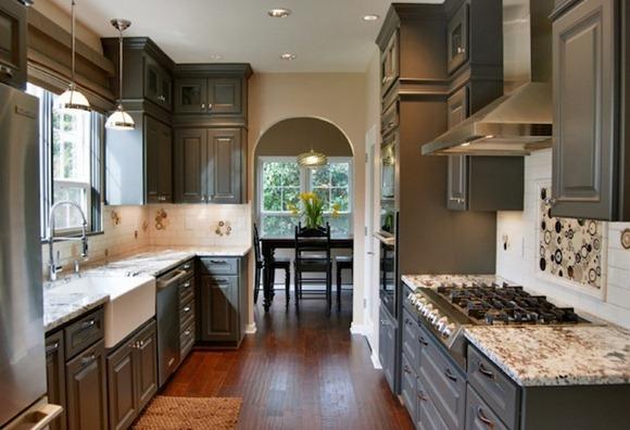 Cambiar la dinámica de su cocina con gabinetes coloridos