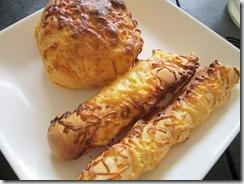 pan de manila cheese pandesal and cheese stick, 240baon