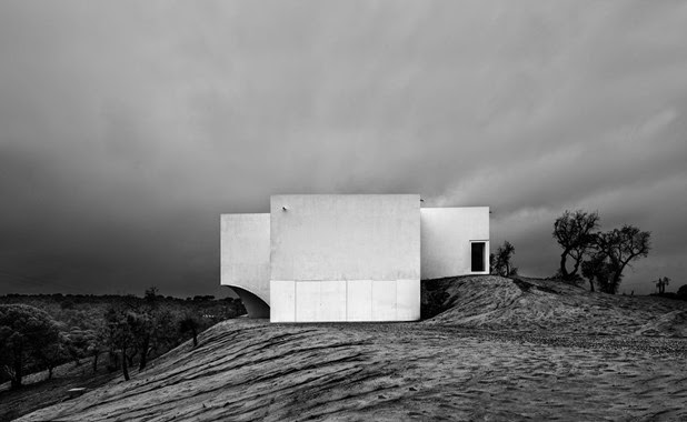 House Melides by Aires Mateus 2