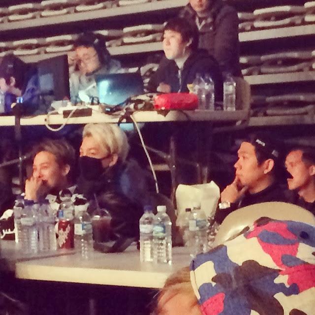 G-Dragon & Tae Yang - AON 2014 - 02mar2014 - Fan - 01.jpg