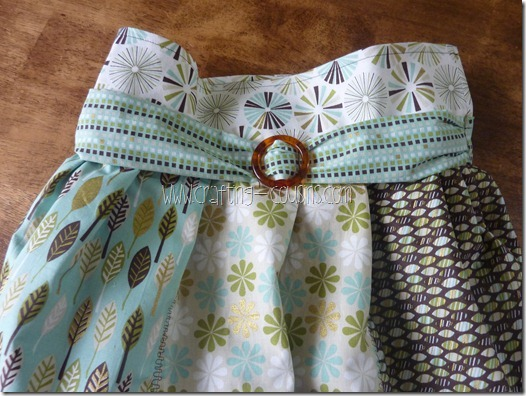 Crafty Cousins' Flouncy Bag Tutorial (47)
