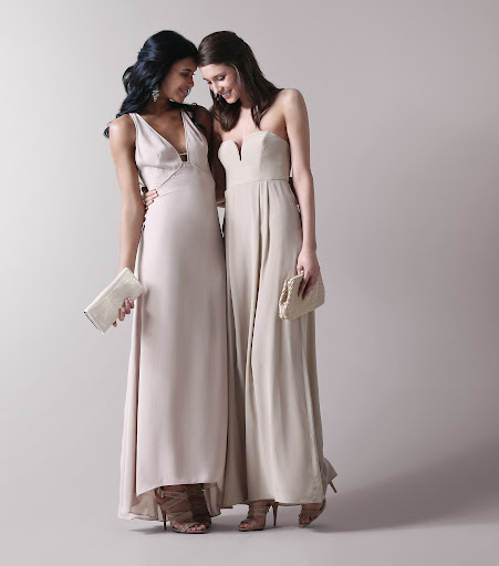 Look at these pretty bridesmaids dresses!