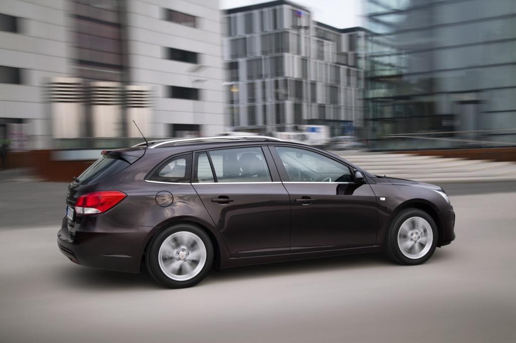 2013-Chevrolet-Cruze-Facelift-11.jpg?imgmax=1800
