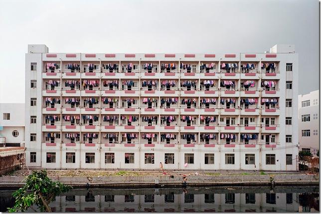 Edward Burtynsky - Manufacturing #4, Factory Worker, Dongguan, Guangdong Province, China, 2004