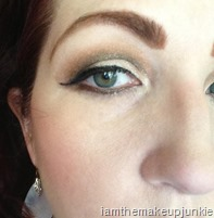 look with SEPHORA long-lasting ultra vinyl eyeliner