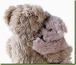 teddy-bear-hug-4763095