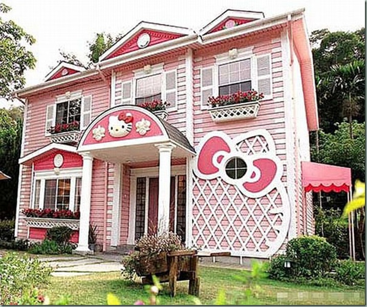 Hello-Kitty-House-in-Shanghai-1
