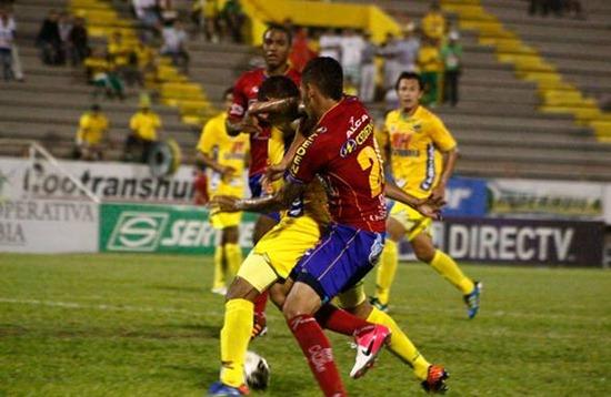 Fútbol Atlético Huila Vs. Deportivo Pasto.